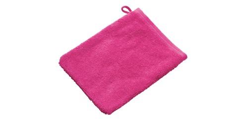Roze washandjes inweven